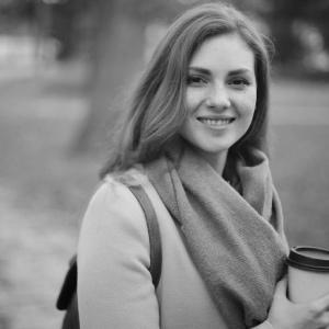 Elena - redactie Flashnews.ro