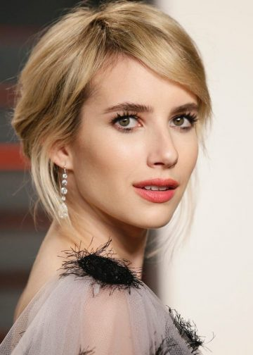 Emma Roberts - Am blocat-o pe mama mea online din cauza ca are gura mare