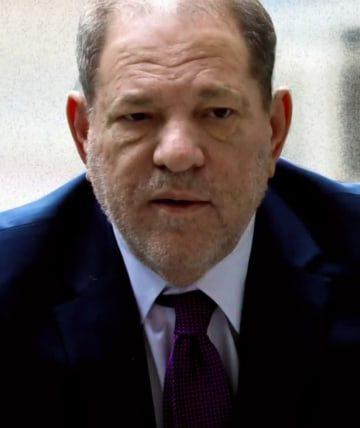 Chiar si in calitate de violator condamnat, Harvey Weinstein are inca parte de zboruri private