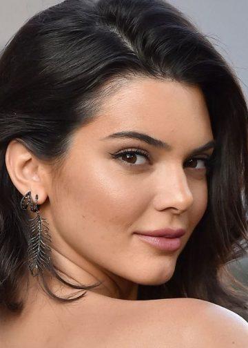 Kendall Jenner data in judecata pentru 1,8 milioane de dolari pentru incalcarea contractului de modeling